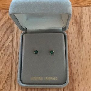 💚 14k Gold & Emerald Dainty Stud Earrings
